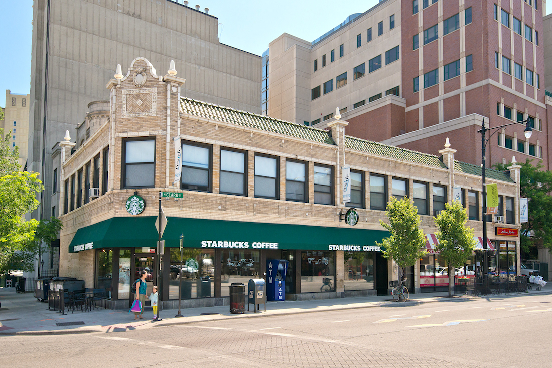 Retail Space at 2525 N Clark, Lincoln park