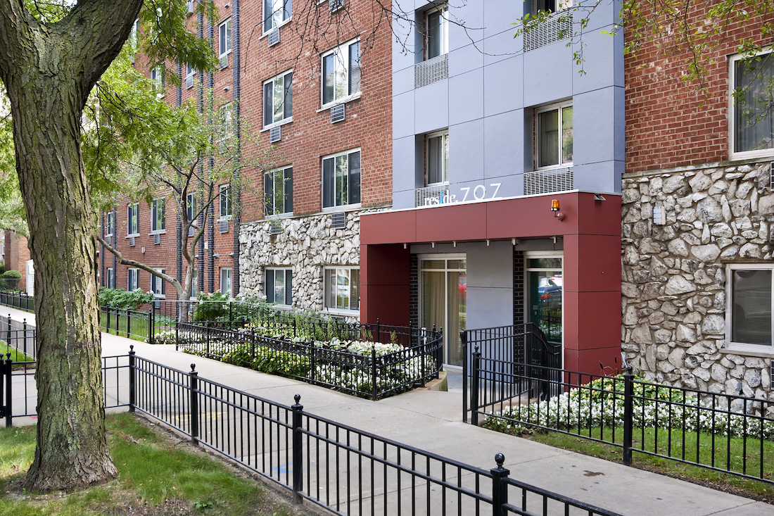 Reside 707 Apartments, Lakeview